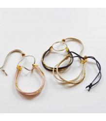 Atsuyo et Akiko Suede Bracelet Atsuyo et Akiko Suede Bracelet gold and cream