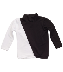 Nununu ½ & ½ Rash Guard  Nununu half & half Rash Guard black & white