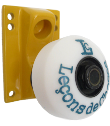 Leçons de Choses Skateboard Wheel Wall Hook Lecons de Choses Skateboard Wiel Muurhaak geel en blauw