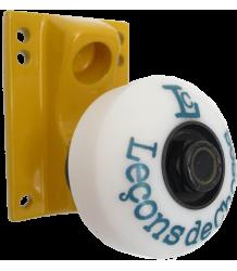 Leçons de Choses Skateboard Wheel Wall Hook Lecons de Choses Skateboard Wiel Muurhaak geel en blauw