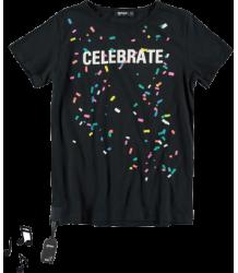 Yporqué Celebrate Tee (SOUND) Yporque Celebrate Tee